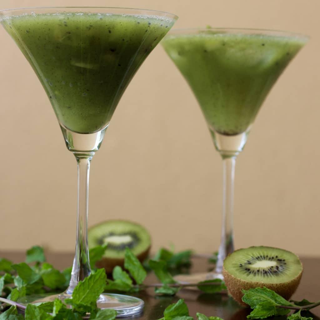 Kiwi cucumber cooler cocktail mocktail recipe for Cocktail kiwi